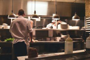 ゴーストレストラン 人件費